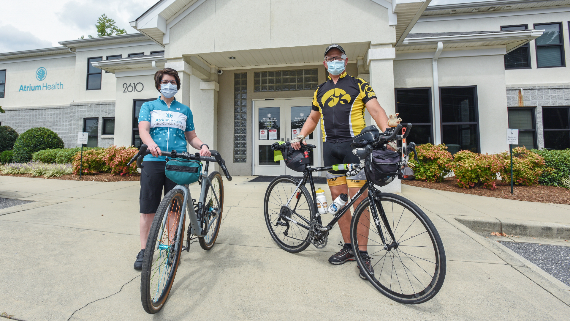 Ron Wasek, a patient at Levine Cancer Institute, isn't letting metastatic prostate cancer slow him down. The 63-year-old grandfather of eight recently completed a 468-mile bike ride across Iowa, in just 7 days, exactly one year after his diagnosis.